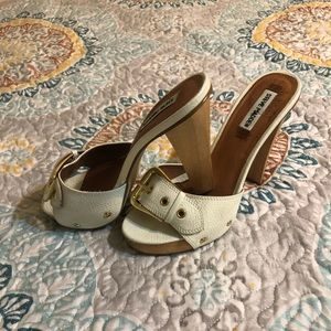 Steve Madden Crunk White Leather Buckle Sandals